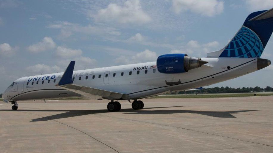 United outlines routes for new CRJ550 aircraft