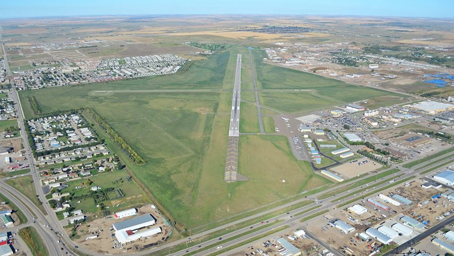 New US airport to serve oil boom region