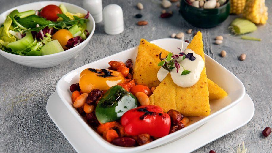 Emirates adiciona refeições veganas aos menus de janeiro
